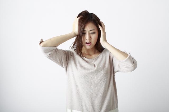 女性の抜け毛の原因を徹底解明!すぐに始められるケアも紹介