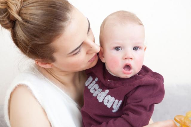 産後の抜け毛はいつから始まっていつ終わるの?自分でできる対策を知ろう!
