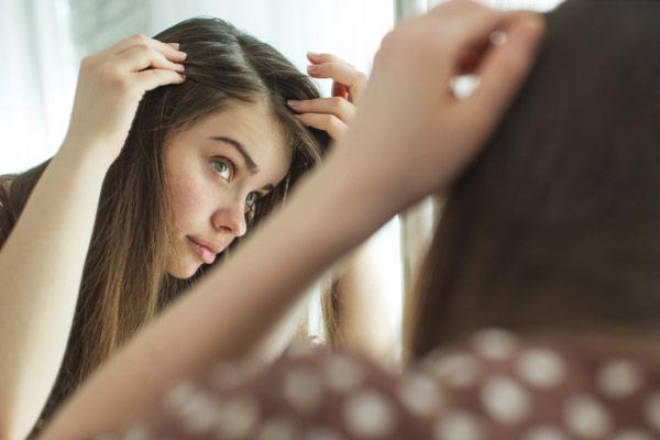 女性の白髪対策はこれ!原因からおすすめのケアまで厳選紹介