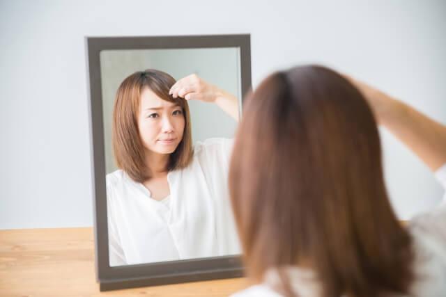 前髪の薄い女性必見!薄毛の原因とすぐに出来るセルフケアを伝授!