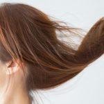 髪のパサつきの原因は?しっとり潤す保湿のポイント