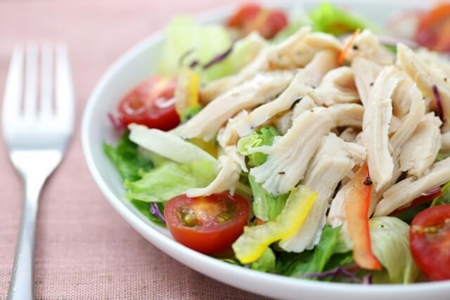 白髪対策におすすめの食べ物と、避けたい食べ物を紹介! -美頭皮のすすめ-
