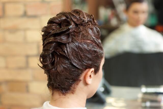 白髪染めで髪を痛めたくない!白髪ケアも美髪ケアも行いたい女性必見! -美頭皮のすすめ-