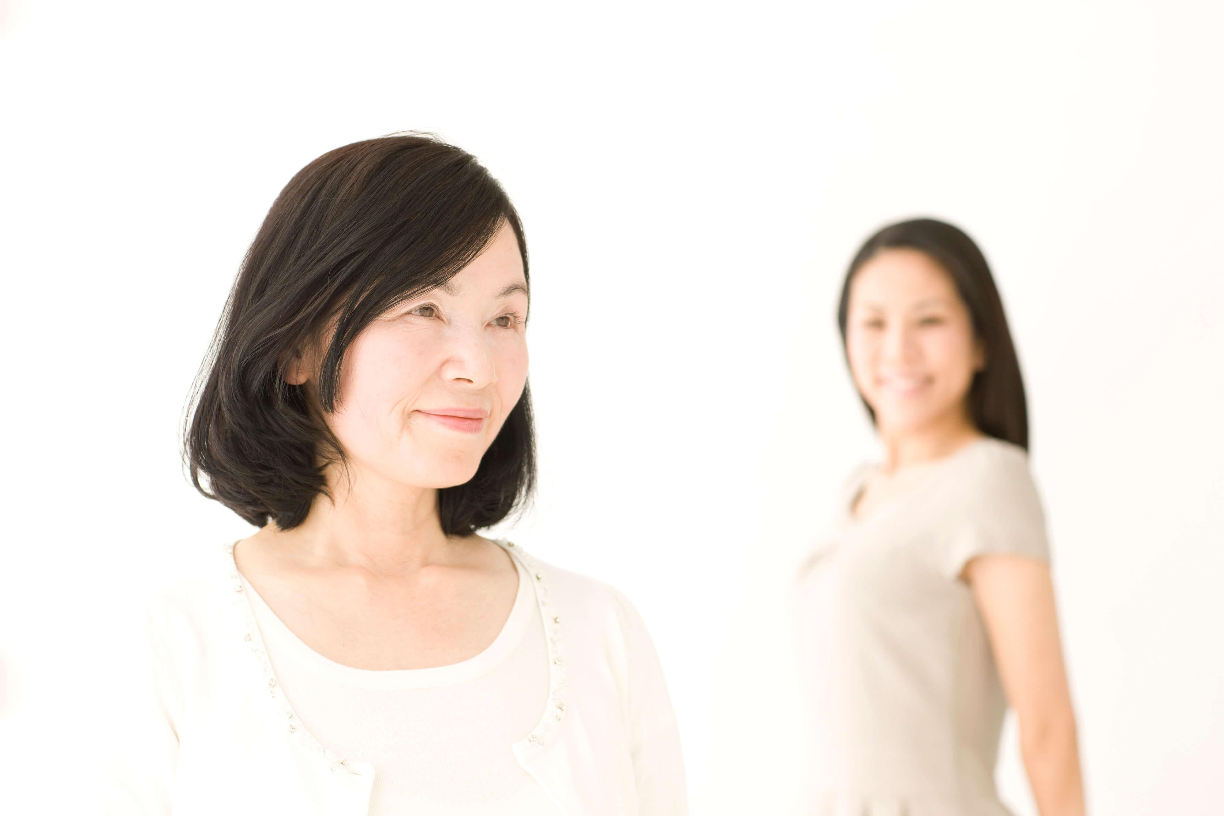 50代になり今後の白髪ケアに悩んでいる女性たちへ、おすすめの対策を紹介! -美頭皮のすすめ-